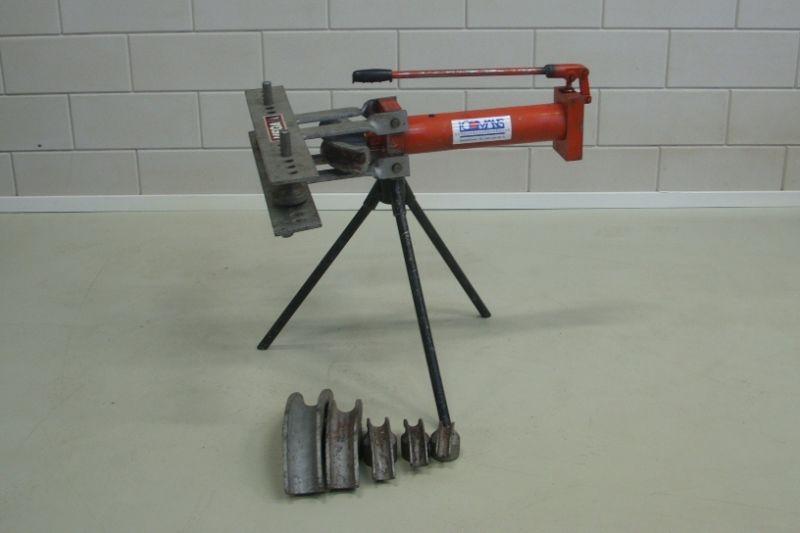 Buigpomp hydraulisch